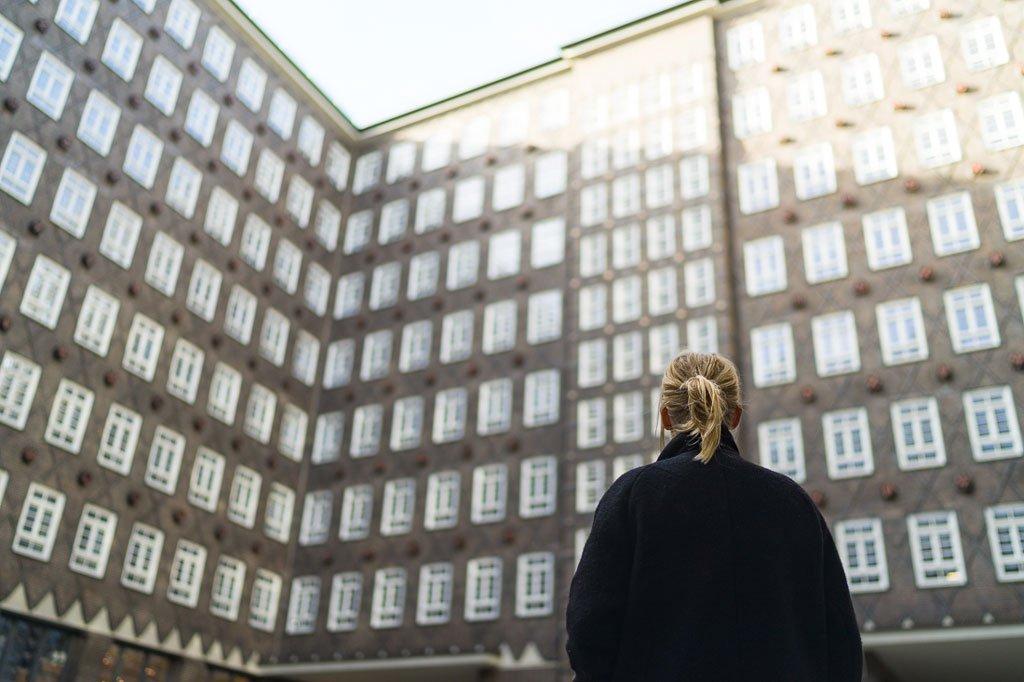 Jenny fotografiert mit Festbrennweite