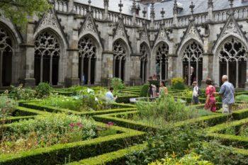 Dom Innenhof Utrecht