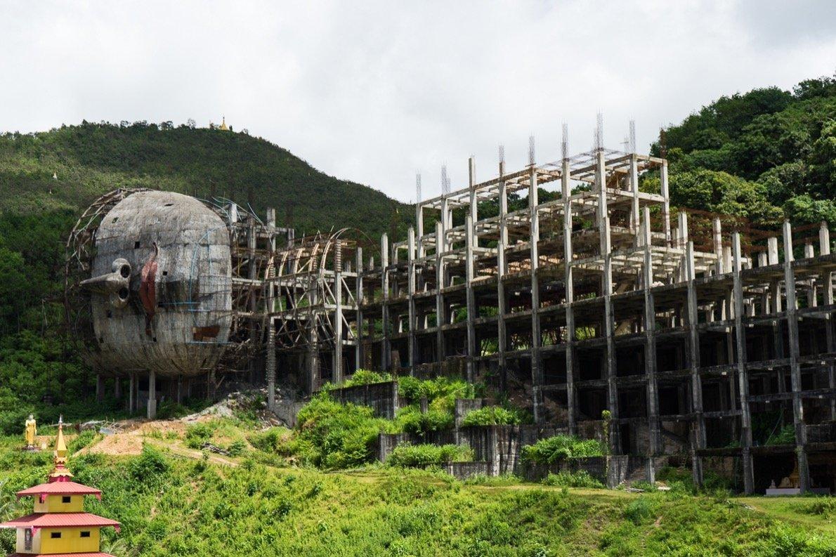 Größter liegender Buddha der Welt im Neubau