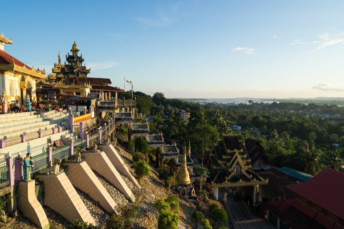 Aussicht von der Kyaik Thanlan Pagode in Mawlamyaing