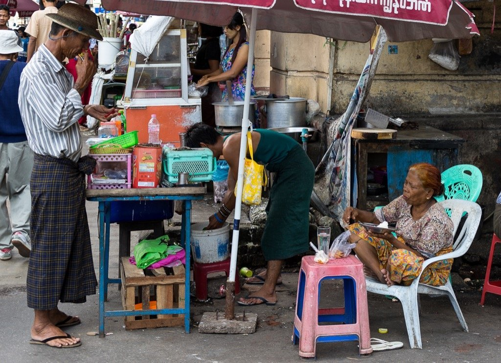 Yangon Essen