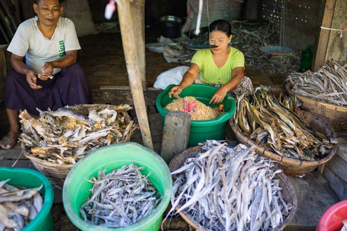 Markt auf dem Weg zu den Chin Dörfern