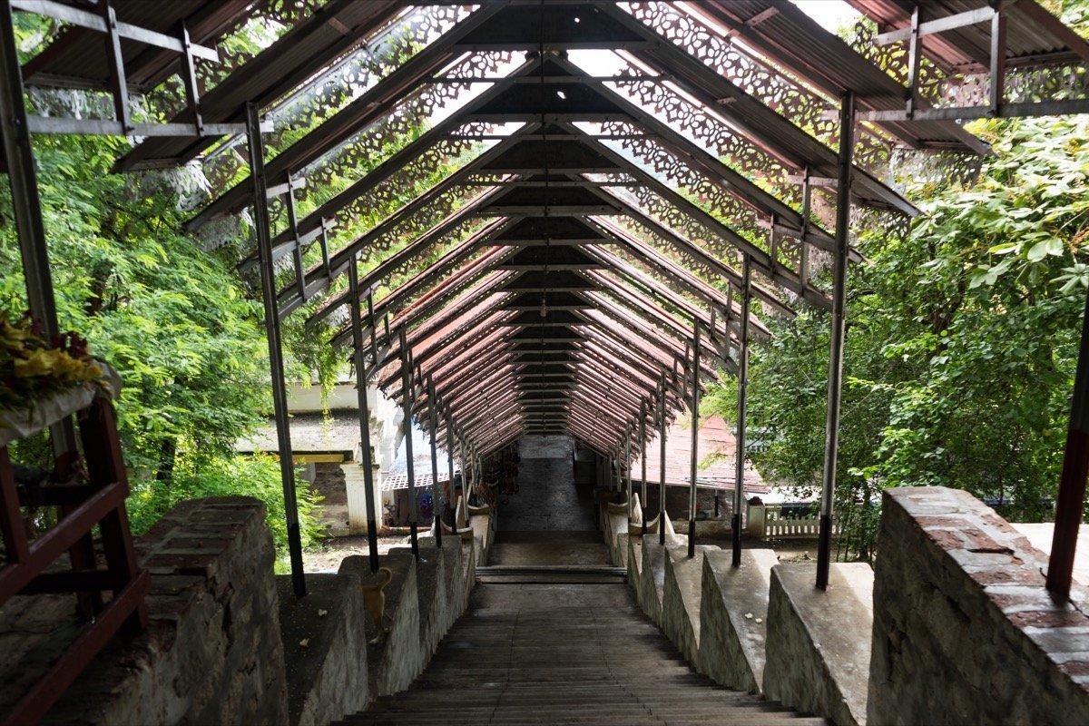 Stufen Mandalay Hill