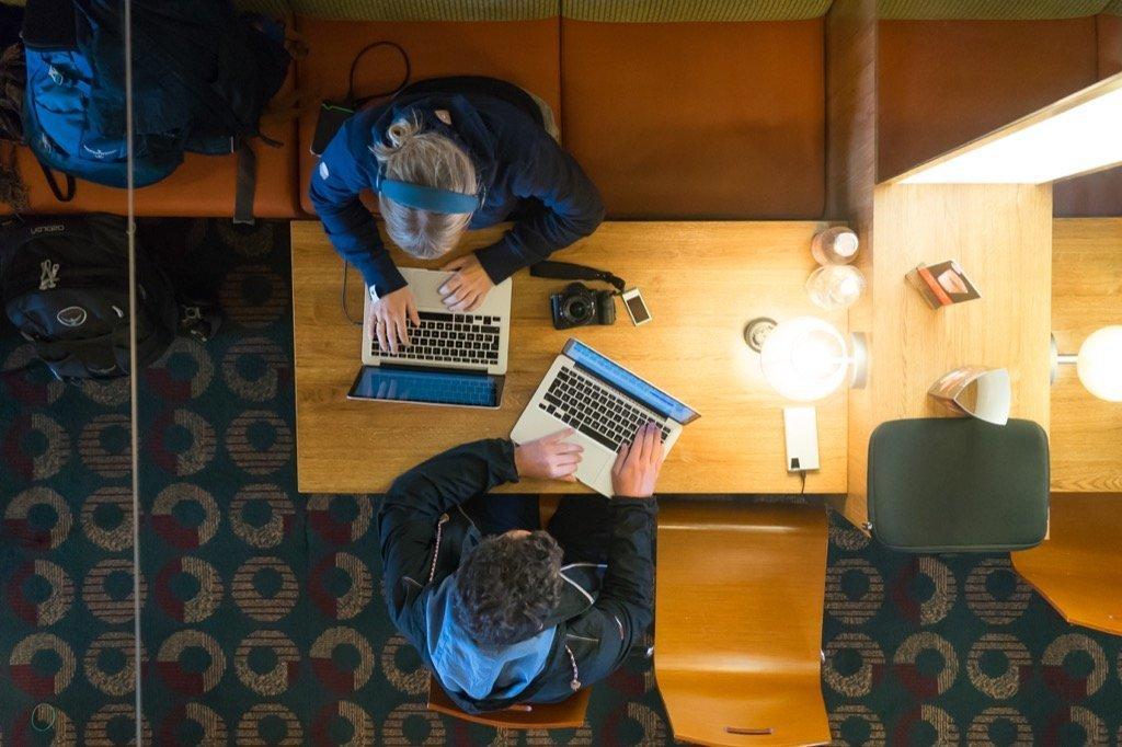 Reiseblogger bei der Arbeit