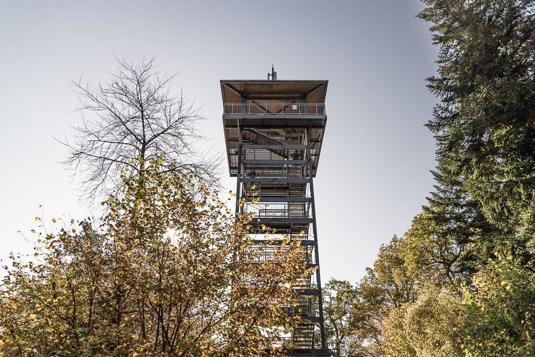Der Prinzenkopfturm von unten fotografiert