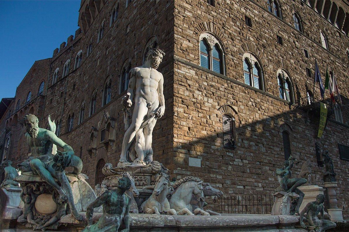 Neptunbrunnen auf dem Rathausplatz von Florenz