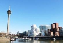 Rheinturm und Gehry-Bauten im Medienhafen