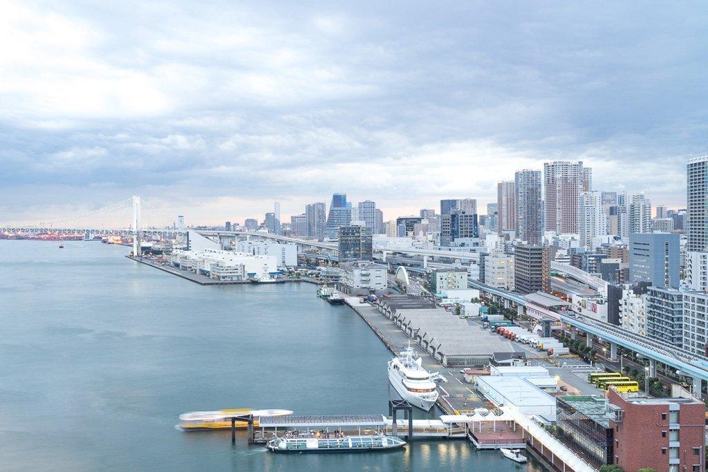 Aussicht auf Tokio Bay von unserem Zimmer im Intercontinental Tokio Bay im 17. Stock