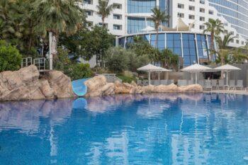Jumeirah Beach Hotel Pool