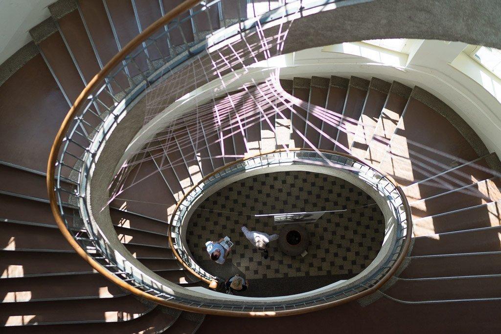 Treppenhaus in der Bauhaus-Universität