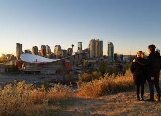 Die Aussicht auf Calgary vom Scotsman's Hill.