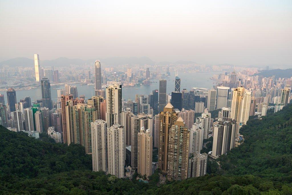 Der Aussichtspunkt am Victoria Peak ist eine der bekanntesten Hongkong Sehenswürdigkeiten