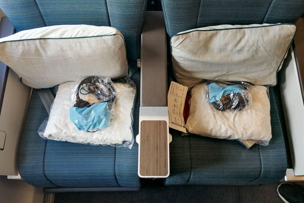 Sitze in der Premium Economy von Cathay Pacific