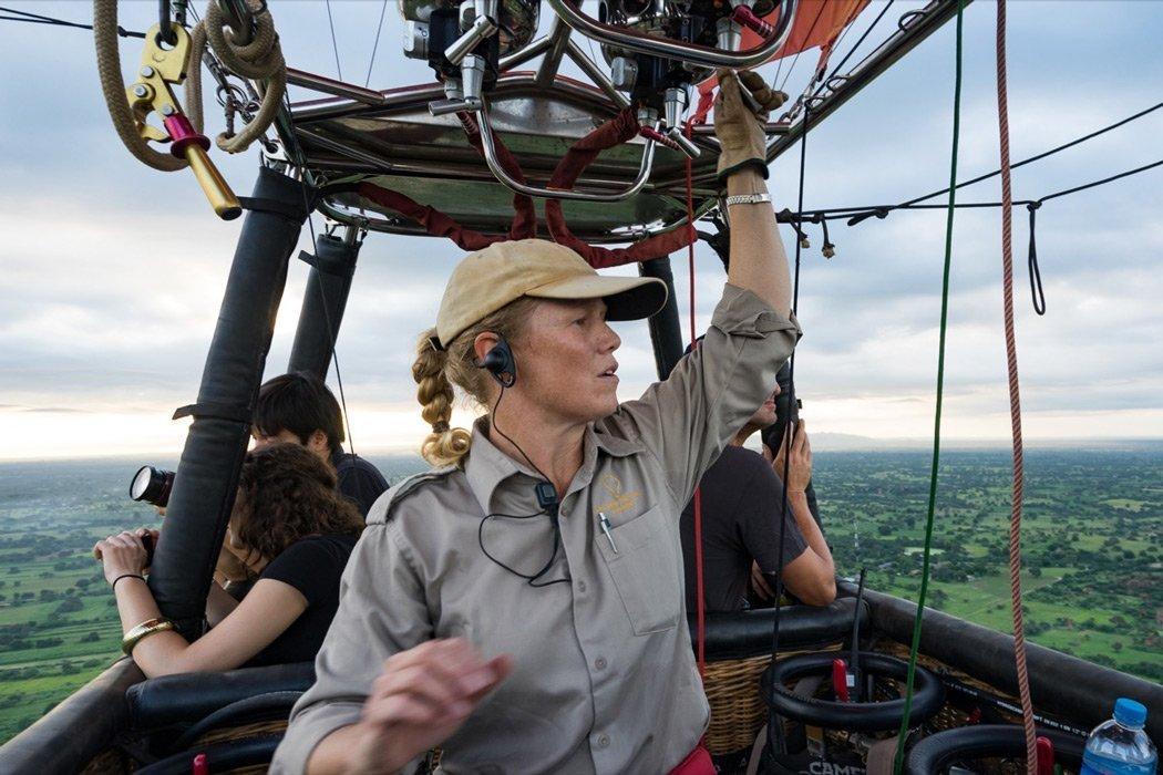 Unsere Pilotin für die Ballonfahrt in Bagan