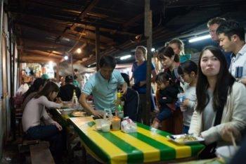 Food Market auf dem Nachtmarkt in Luang Prabang
