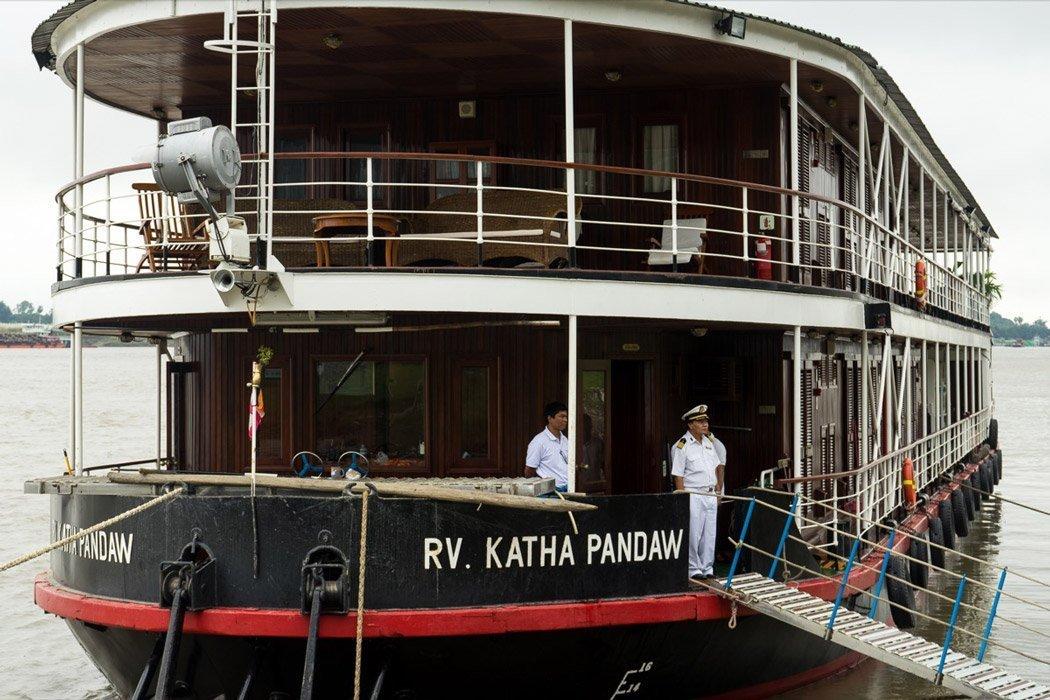 Unser Schiff von Bagan nach Mandalay