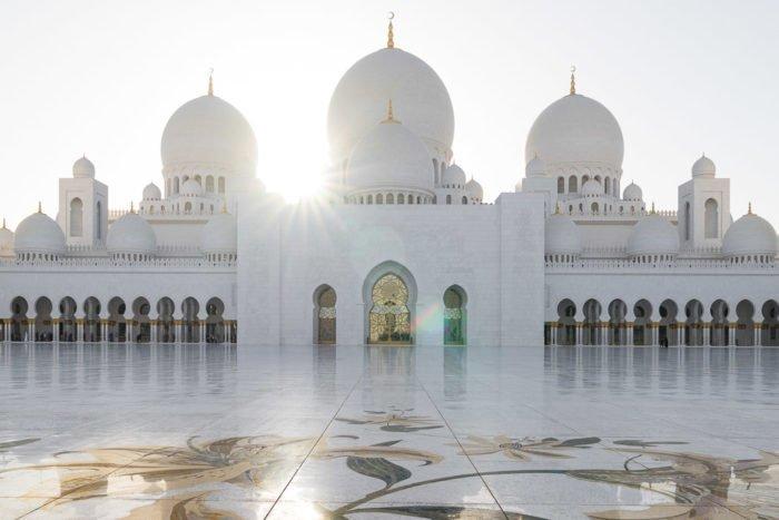 Abu Dhabi Sehenswürdigkeiten: Das musst du in Abu Dhabi gesehen haben