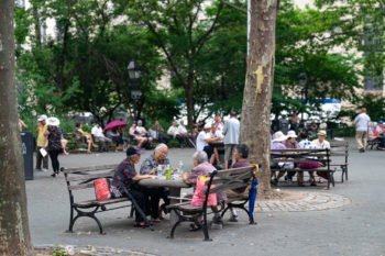 Der Columbus Park in Chinatown in New York