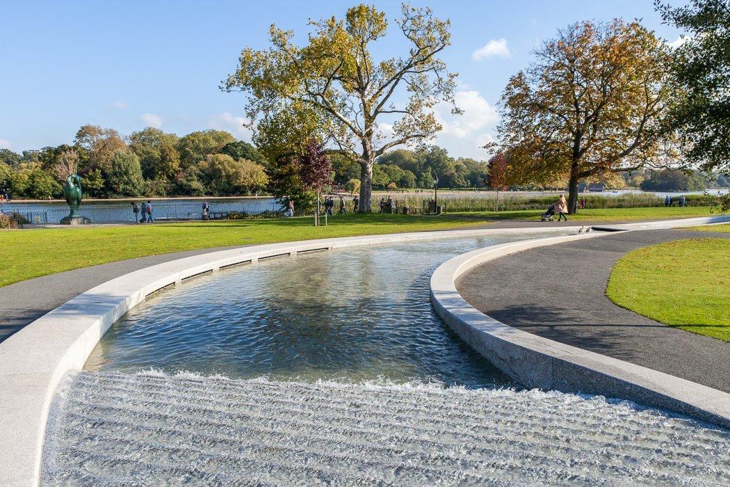 Der Memorial Brunnen im Hyde Park für Prinzessin Diana