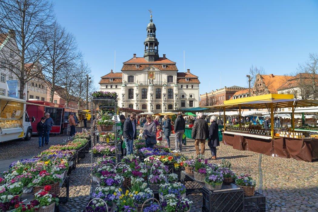 Rathaus und Marktplatz von Lüneburg