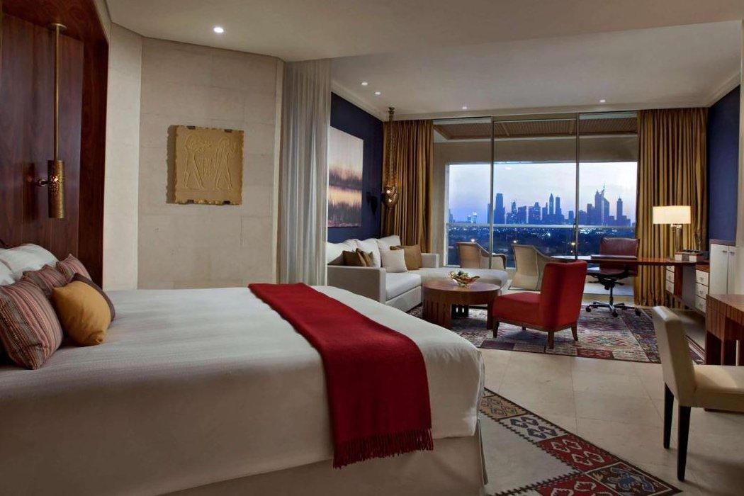 Hotelzimmer mit Blick auf Skyline