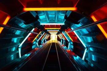 Neonlichter über Rolltreppe