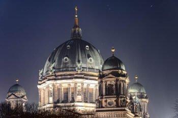Berliner Dom nachts