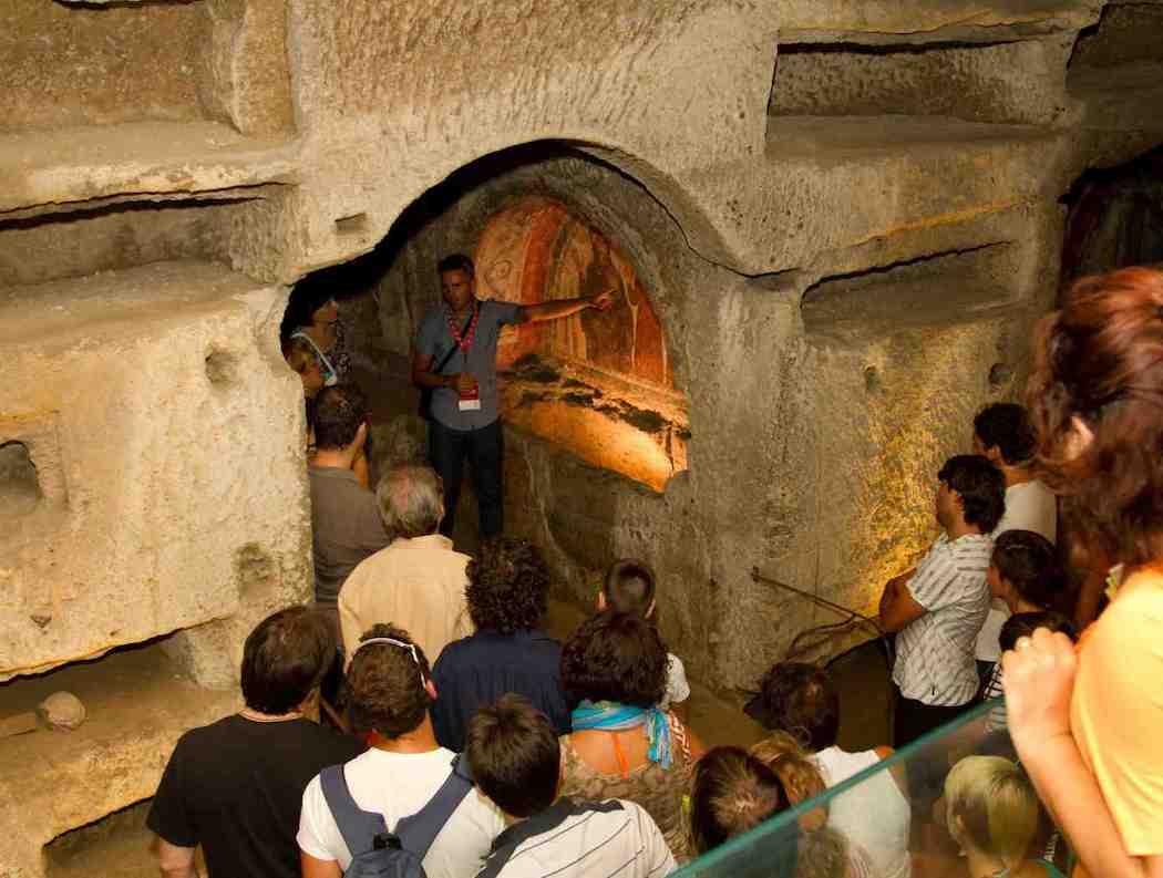 Führung durch die Katakomben von San Gennaro