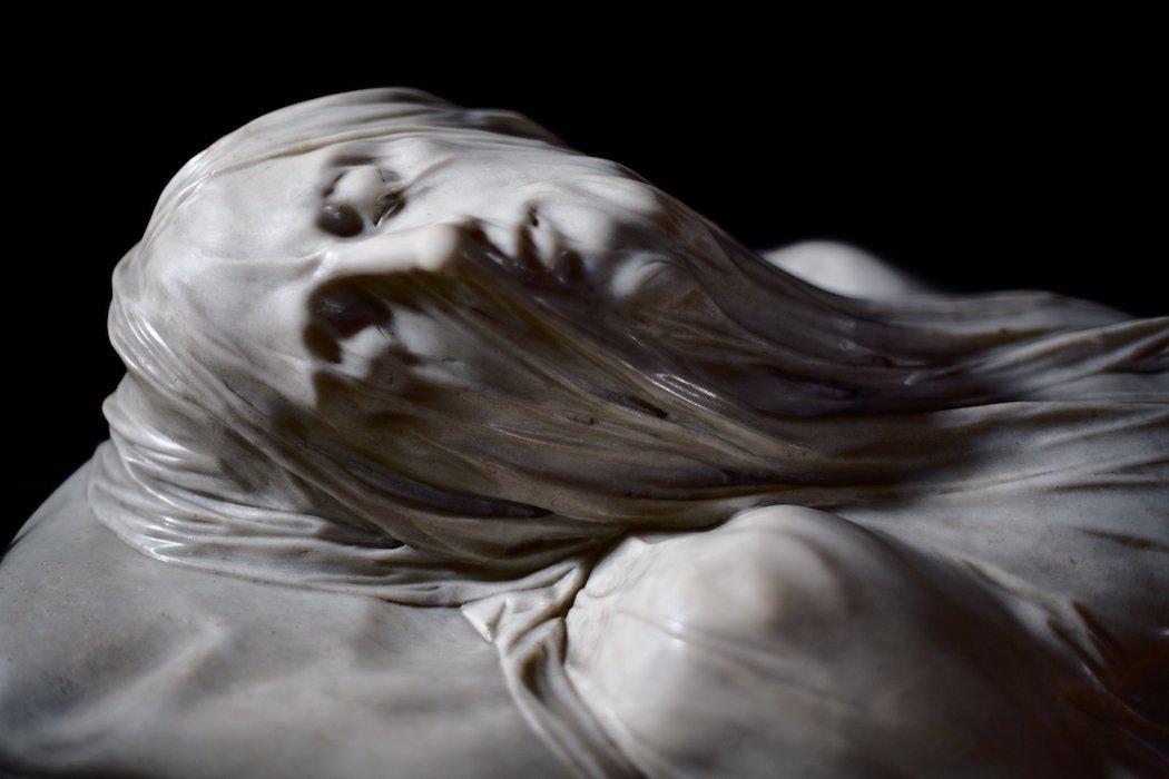 Gesicht der Statue Verhüllte Christus