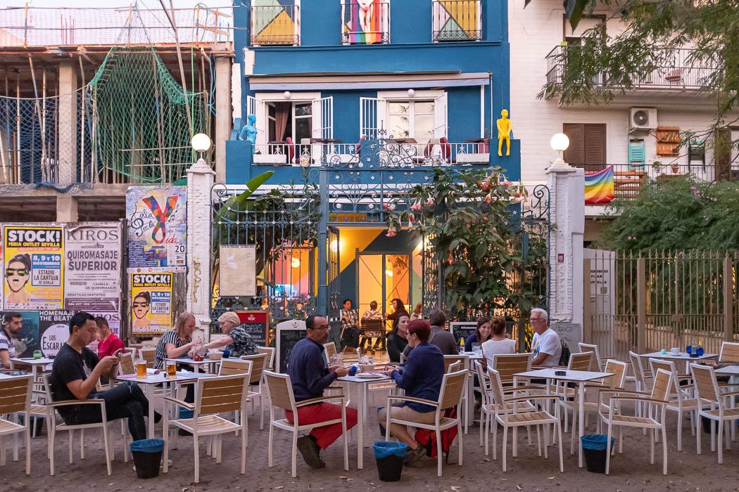 Ein Restaurant auf der Alameda de Hercules in Sevilla
