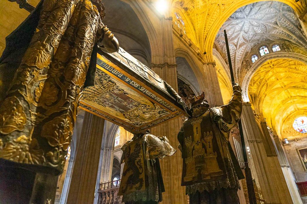 Das Columbus Grab in der Kathedrale Sevilla