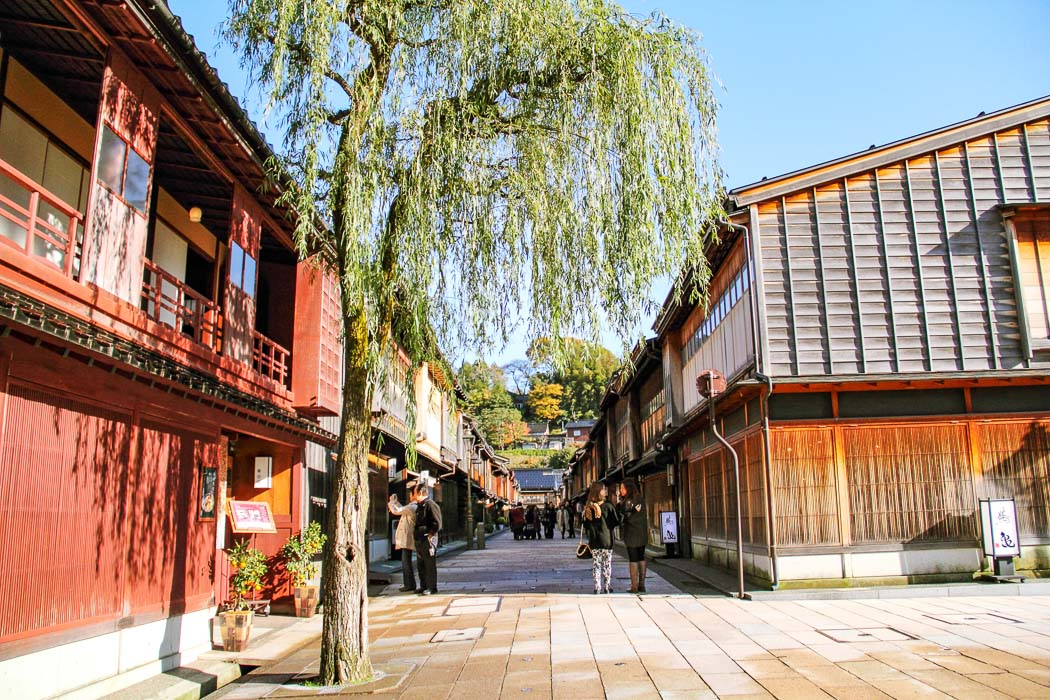 Straße von Higashi Chaya
