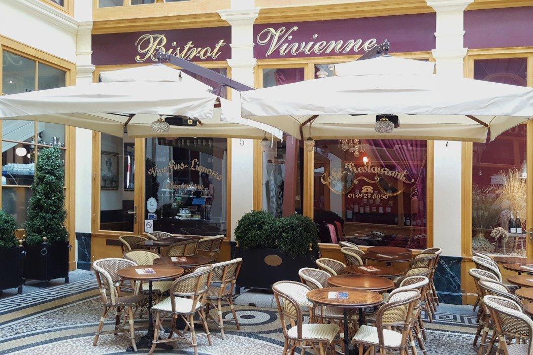 Café mit Terrasse