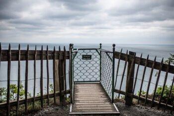 Aussichtsplattform über Meer