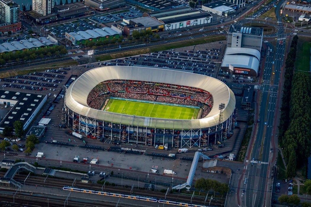 Das Fußballstadion De Kuip