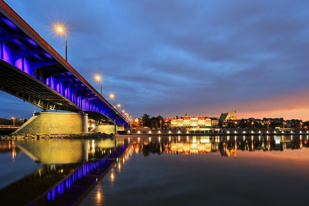Slasko Dabrowski Brücke bei Nacht