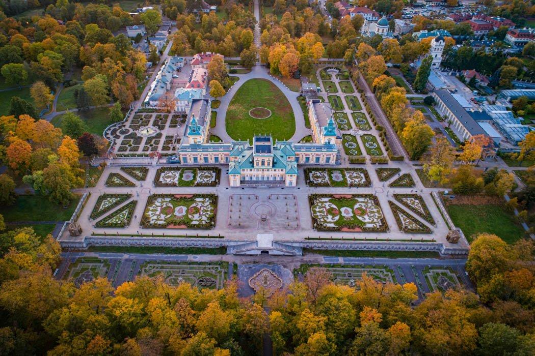 Luftaufnahme des Wilanowpalasts