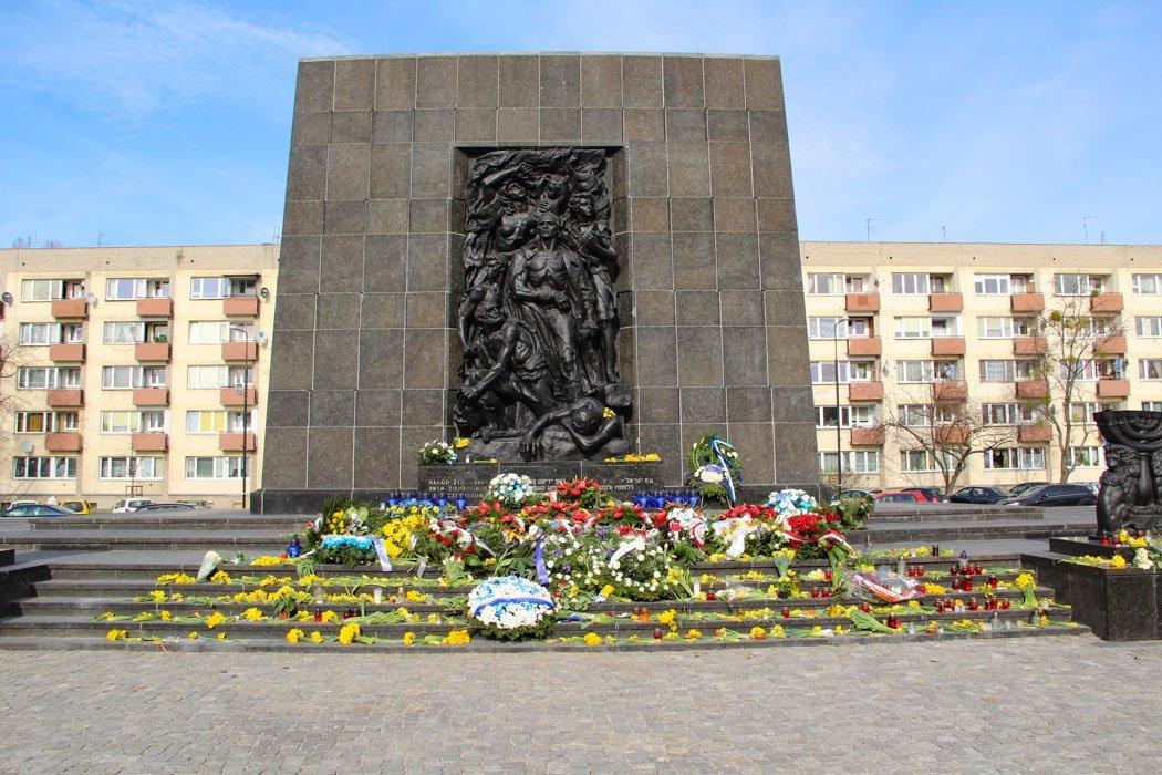Das Denkmal der Helden des Warschauer Ghettos