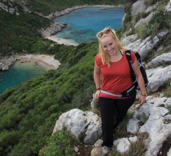 Sarah auf Korfu