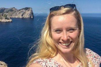 Berlin Insiderin Sarah auf Mallorca