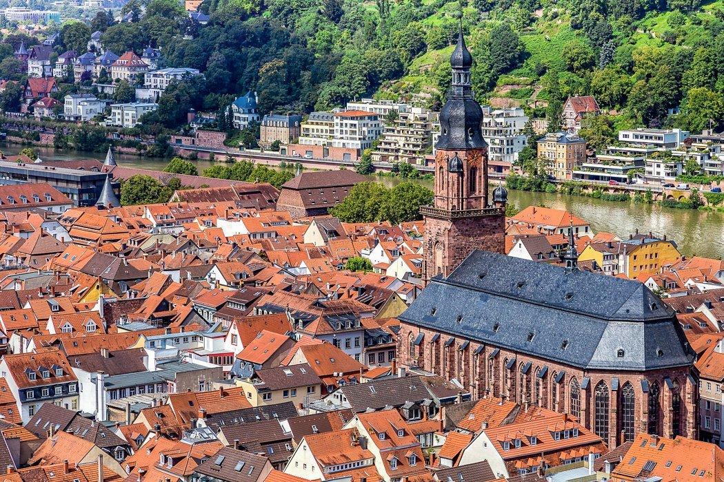 Blick von oben auf die Heidelberger Heiliggeistkirche