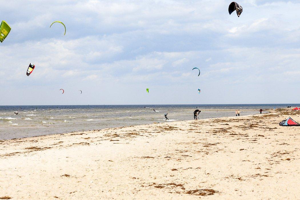 Kitesurfer auf Poel an der Ostsee