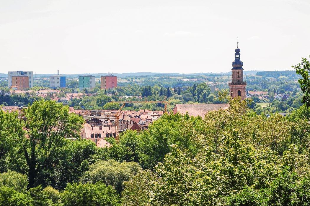Blick auf Erlangen vom Skulpturengarten