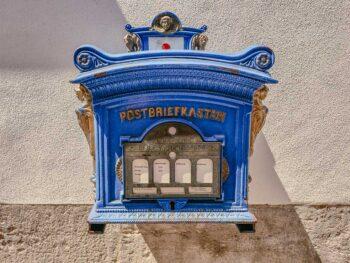 Alter Postbriefkasten in der Langgasse
