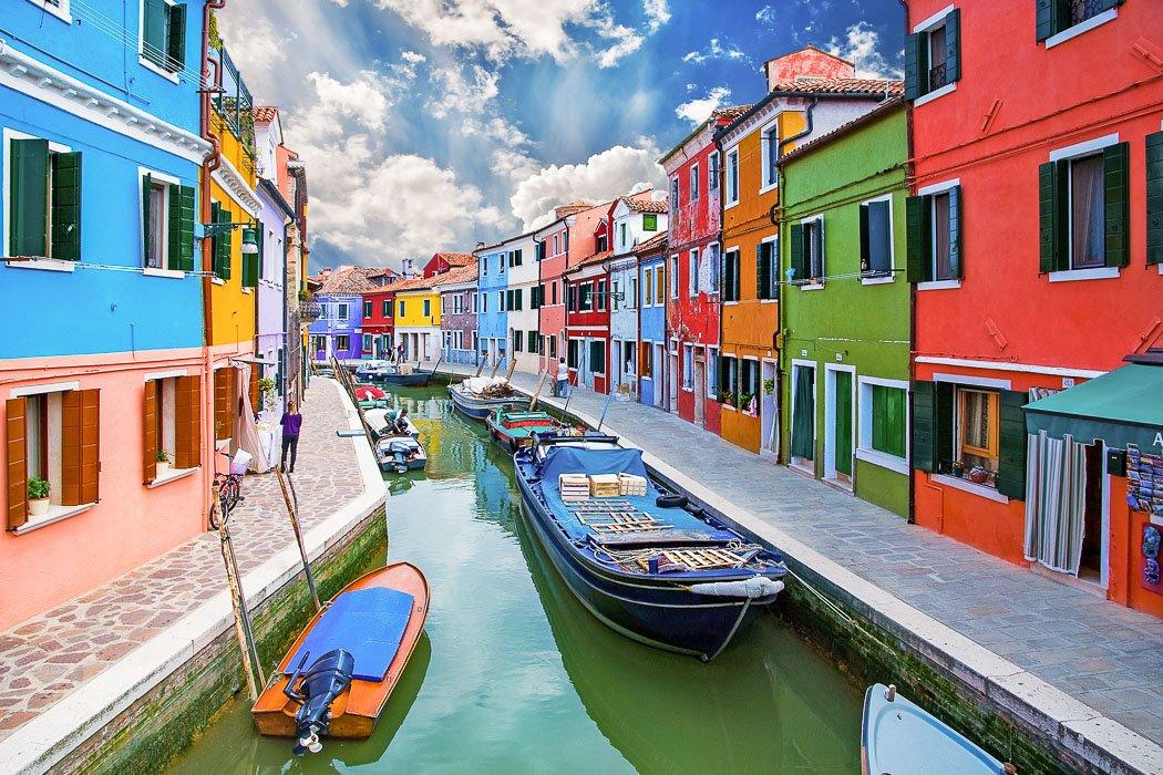 Kanal in Burano in Venedig
