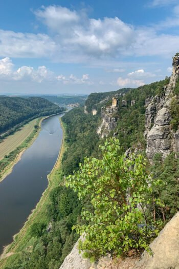 Die Bastei mit Blick auf die Elbe