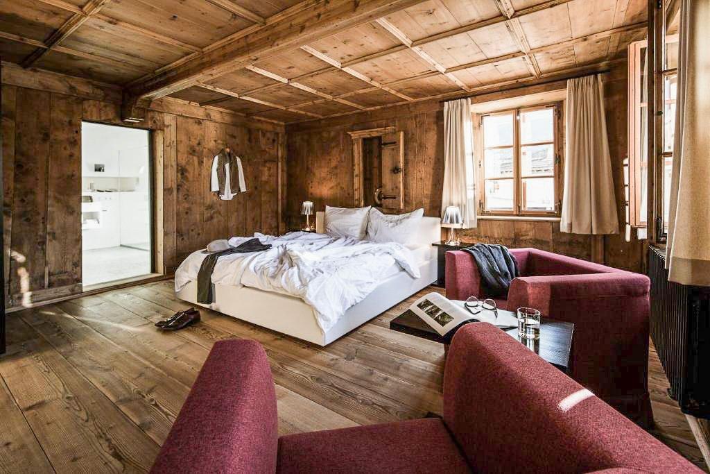 Zimmer im Hotel Weisses Kreuz
