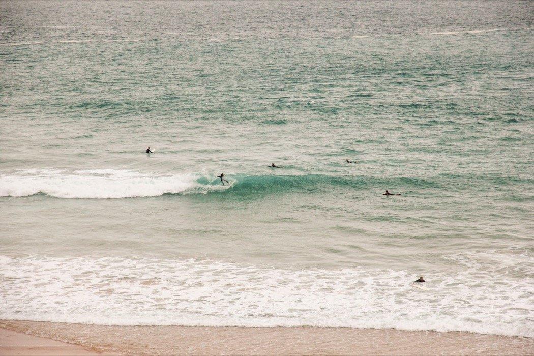 Surfer an der Algarve