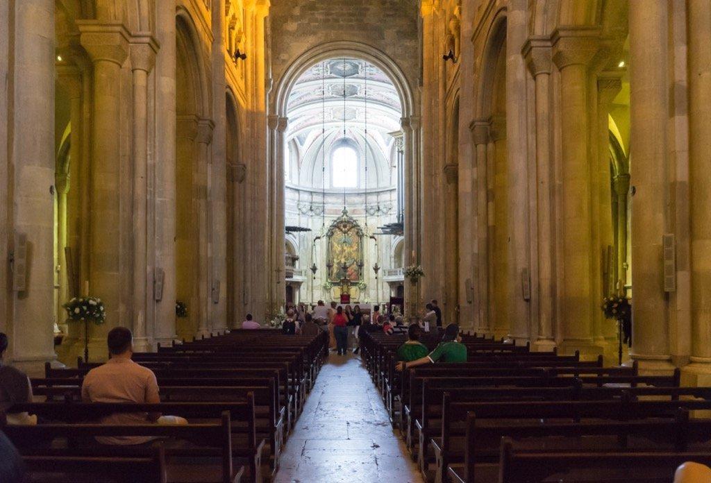 Die Kathedrale von Lissabon von Innen.