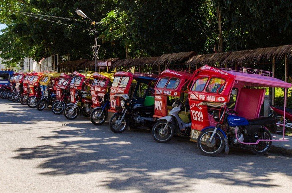 Tricycles am Hafen von Siquijor